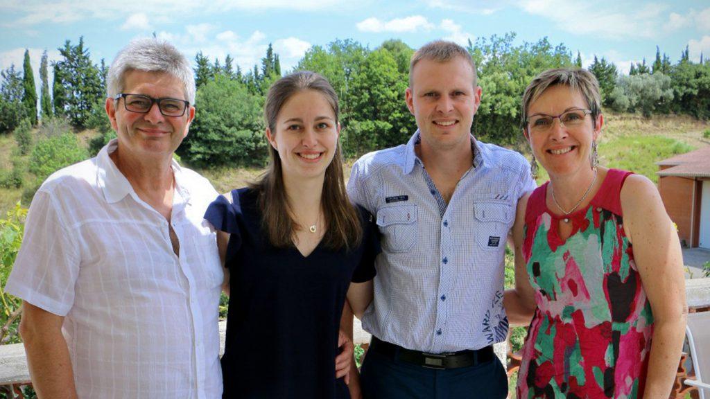 Photo de la famille Faure, Denis, Delphine, Jérémy et Manuela au Domaine Faure