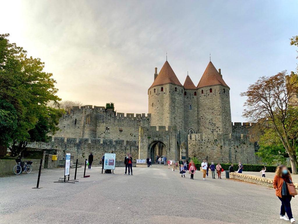 Photo de la porte Narbonnaise de la cité de Carcassonne, Aude